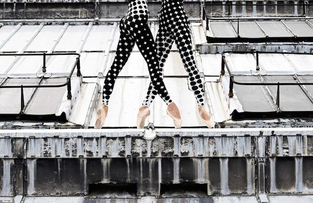 屋顶上的舞者