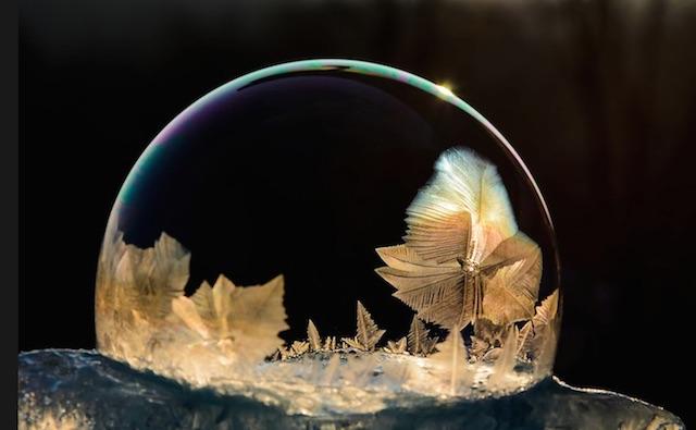 冰冻肥皂泡